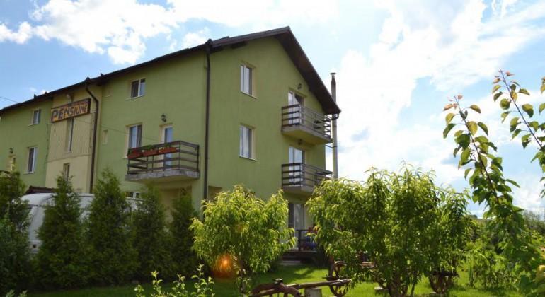 Near Cluj Pensiunea Dia Land Suceagu