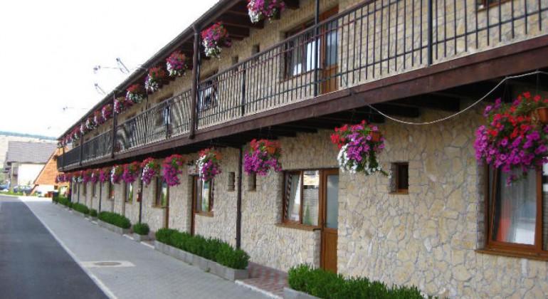 Near Cluj Pensiunea Matis Floresti